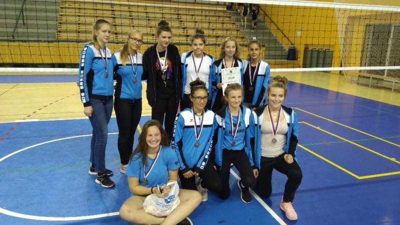 Žákyně na turnaji v Plzni vybojovaly 3.místo