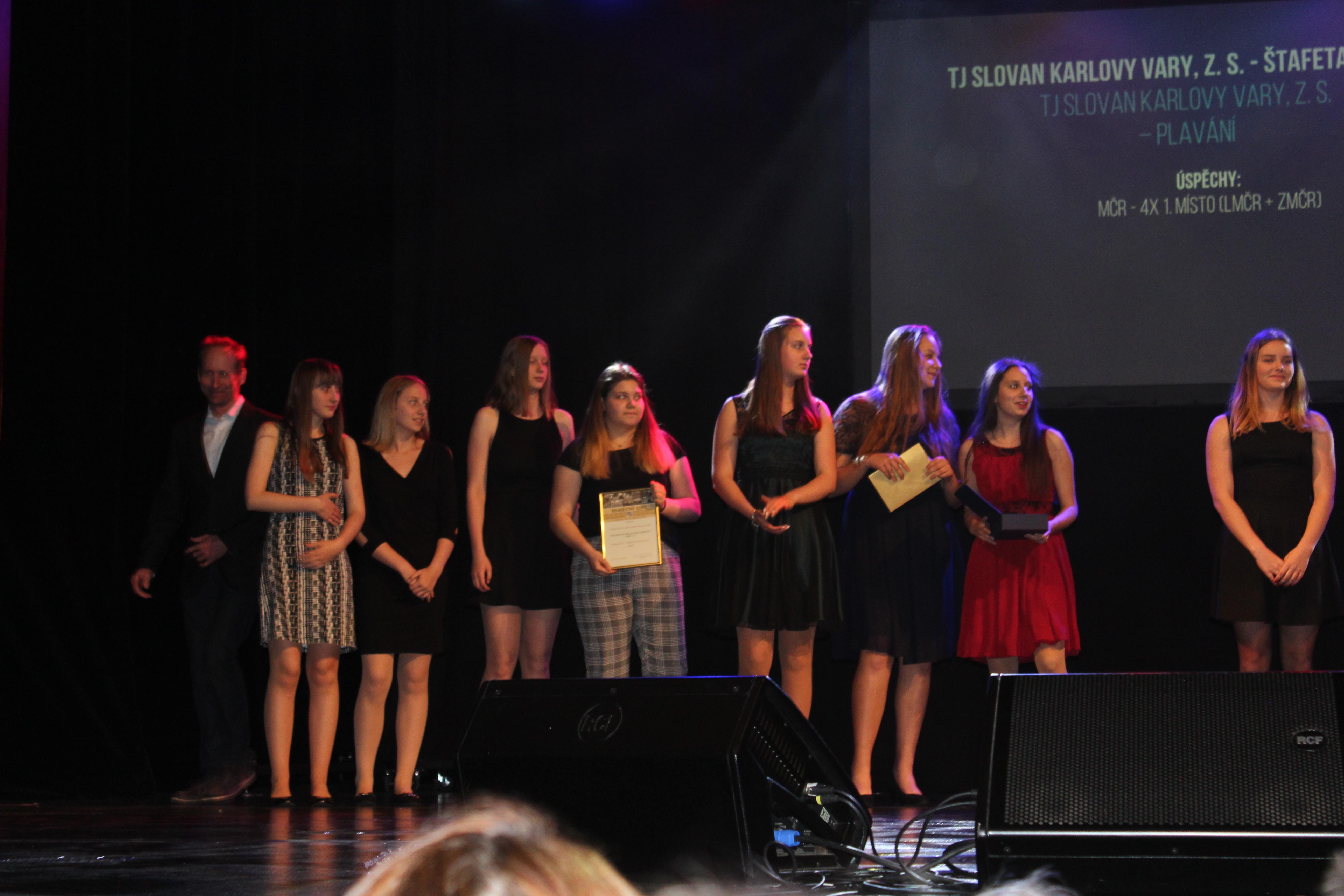 Foto: hráčky VK Karlovy Vary se staly úspěšným kolektivem Karlovarského kraje za rok 2018